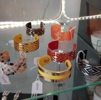 Bracelet coloré estival chez Unique Pour Elles  à Argences et Rocquancourt